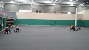 Instal·lació del paviment al Pavelló del Masnou